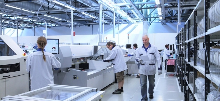 Economically successful product is generated by ensuring the high quality of the product when at the same time optimizing its manufacturing costs